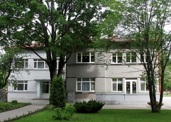 """Valmieras pilsētas 2.pirmsskolas izglītības iestādes """"Ezītis"""" struktūrvienība """"Ābelīte"""""""